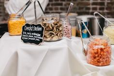An omlete station is a great pick for a brunch wedding! With all sorts of good fillling options, all your guests will be happy! #charlestonwedding #historicricemill #goodfoodcatering  | Fab You Bliss