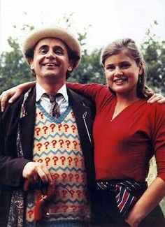 ksc The Doctor & Ace. I have this feeling the new companion Bill is going to be a little like Ace with some Donna thrown in ☺♥♥ I Am The Doctor, Doctor Who Tv, Sylvester Mccoy, Doctor Who Companions, Classic Doctor Who, Captain Jack Harkness, Classic Series, Television Program, Torchwood
