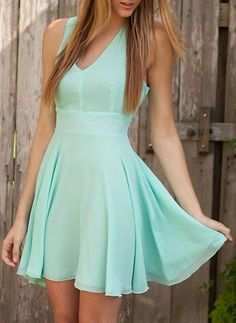 Simple, but gorgeous mint dress. Mint Dress, Chiffon Dress, Dress Skirt, Green Dress, Skater Dress, Prom Dress, Casual Dresses, Short Dresses, Summer Dresses