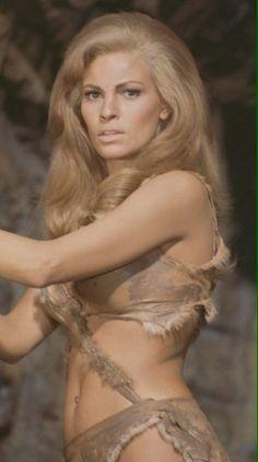 Loana - Raquel Welch - One Million Years BC 1966