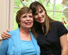 Pin for Later: Une Maman, S'est Sacré – Même Pour les Stars Jennifer Garner Jennifer Garner et sa maman, Pat, en Mai 2009.