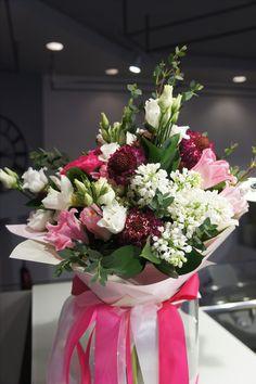 Цветы на заказ дизайн киев недорого, букеты из герберов каскад