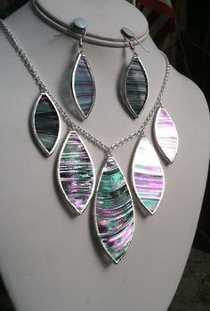 Black on clear iridescent boroque stained glass necklace.