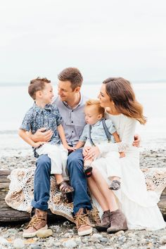 Stephanie Sunderland Photography. Seattle Family Photography. Picnic point park, WA. New York Family Photographer. Life style family photographer. Cute outfits for family photos. Fine art photographer. Natural posing. Beach family photos.