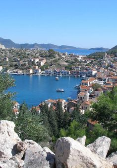 Top 25 must-visit travel destinations Top Travel Websites, Holiday Destinations, Travel Destinations, Places In Greece, Hidden Beach, Paradise Island, Greece Travel, Greek Islands, Dream Vacations