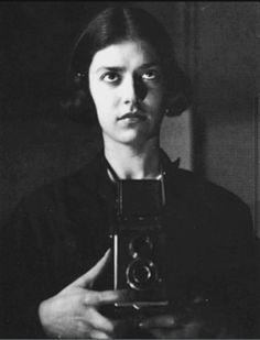 Eva Besnyö, Self-Portrait, Berlin 1932