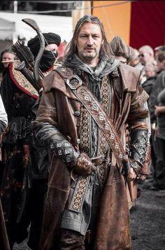 Very awesome Kili cosplay! Medieval Costume, Medieval Armor, Medieval Fantasy, Fantasy Inspiration, Character Inspiration, Character Design, Armor Clothing, Medieval Clothing, Larp