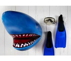 Inflatable Shark Head and more Fun Gifts at Perpetual Kid. So yeah, I was in the water and I felt something bump my leg Shark! I immediately knew I didnt s Inflatable Shark, Shark Head, Unique Home Accessories, Shark Party, Ocean Party, Beach Party, Animal Heads, T Rex, My Favorite Color
