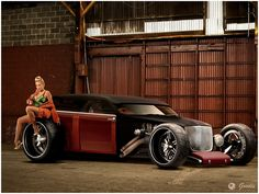 This is purely a conceptual illustration.  The artist took a 300 body and drew on hot rod ideas... if only this was real.