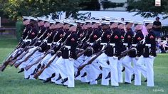 Watch The Amazing Marine Corps Silent Drill Platoon Perform at the Sunse...