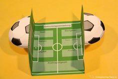 Fußball Geburtstag Einladung ⋆ Kindergeburtstag-Planen.de Monster Party, Soccer Ball, Birthday, Kids, Pop Up, Partys, Motto, Elegant, Card Sketches
