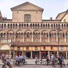 """Cari amici di Steller @PassionPassport lancia un bellissimo progetto proprio su @Steller. Si chiama #CityGlimpses: ogni mese PP creerà una guida a un diverso paese...e inizieranno proprio dall'Italia! Per partecipare non bisogna fare altro che uscire a fotografare una città e pubblicare una storia aggiungendo qualche dritta e suggerimento. Steller ripubblicherà le storie nella nuova collazione """"City Glimpses Italy"""" e a fine febbraio Passion Passport creerà la guida dell'Italia scegliendo le…"""