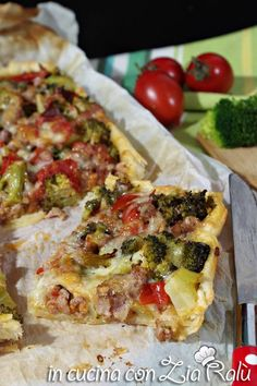 Italian Recipes Savory pie broccoli sausage and cherry tomatoes - In the kitchen with Zia Ralù Vegetable Dishes, Vegetable Pizza, Best Italian Recipes, Favorite Recipes, Crepes, Pasta Con Broccoli, Salty Foods, Midweek Meals, Seasonal Food