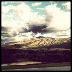 Photo by hiro_brown  #coronetpeak#mountain#newzealand#lakehayes#busstop#school#morning#clouds#landscape#awesome