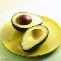 Slimming World Recipes with Avocado. Whenever we start a diet, we will probably remove avocado from our shopping list because it is a fruit with more calories. Vitamin E Capsules, Best Diet Foods, Fiber Rich Foods, Reduce Cholesterol, Diet Challenge, Fruits And Vegetables, Superfoods, Healthy Fats, Vitamins