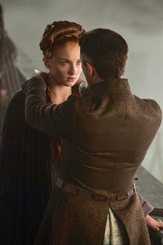 Sansa and Petyr Baelish, Game of Thrones, 4.03....beautiful....I love him when he's with her...Kinda like Klaus with Caroline ;) aka meee