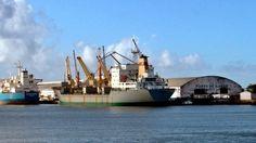 Porto de Ilhéus terá dragagem para 12 metros, anuncia diretor do INPH http://firemidia.com.br/porto-de-ilheus-tera-dragagem-para-12-metros-anuncia-diretor-do-inph/