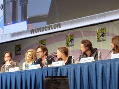 Zak Orth, Elizabeth Mitchell, Billy Burke, Tracy Spiradakos, David Lyons, and Daniella Alonso at WonderCon 2013. Photo by Amy Galante