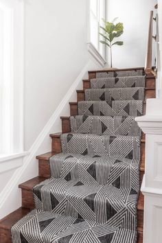 Beautiful Home Interior Black and White Stair Runner on wooden stairs. - Beautiful Home Interior Black and White Stair Runner on woode - Black And White Stairs, Stair Runner Installation, Stair Renovation, Stair Decor, Decorating Stairs, Diy Stair, Decorating Ideas, Stair Landing Decor, Decor Ideas
