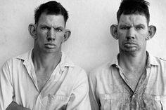 osCurve Brasil : A obra do fotógrafo norte-americano Roger Ballen g...