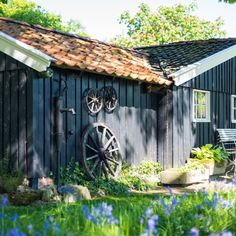 Onze collega Marcel uit de Achterhoek heeft deze prachtige foto's geschoten van een boerderij. Naast woningfoto's verzorgen wij ook het inmeten van uw woning of object en eventuele video's (al dan wel of niet met een drone). Drone, Marcel, Shed, Outdoor Structures, Barns, Sheds