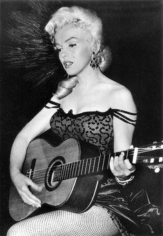 Classic Hollywood Glamour| Serafini Amelia| Marilyn Monroe in 'River Of No Return'