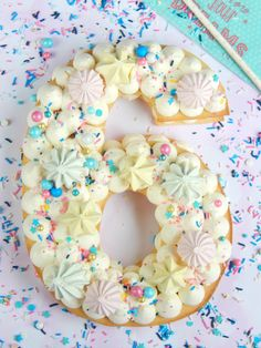 Cake Lettering, Number Cakes, Cake Icing, Beautiful Cakes, Cake Cookies, Cake Toppers, Party, Cake Decorating, Numbers
