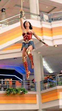 Wonder Woman Vs Cheetah, Wonder Woman Comic, Gal Gadot Wonder Woman, Wonder Woman Pictures, Dc Comics, Wander Woman, Bionic Woman, Female Hero, Streaming Vf