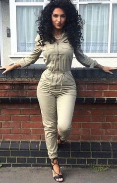 I would love to wear this looks comfy and cute-once I get my waist THAT tiny V-neck long-sleeved Slim in women jumpsuit Passion For Fashion, Love Fashion, Autumn Fashion, Womens Fashion, Camo Fashion, Fall Outfits, Casual Outfits, Summer Outfits, Fashion Outfits