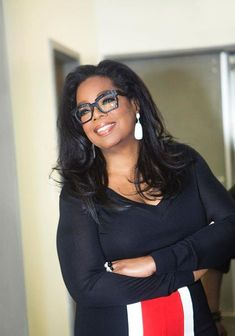 Glasses are Oprah& statement accessory of choice. See her vast collection, and where Oprah& glasses are from. Oprah Glasses, Black Women Fashion, Womens Fashion, Fashion Top, Cute Glasses, Funky Glasses, Fashion Eye Glasses, Womens Glasses, Ladies Glasses