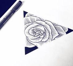 Rose et triangle