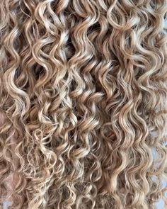 Bebonia - Up close look of our Ringlet, Honey Blonde - Dyed Curly Hair, Colored Curly Hair, Curly Hair Tips, Curly Hair Styles, Blonde Highlights Curly Hair, Honey Blonde Hair, Blonde Curls, Curly To Straight Hair, Long Dark Hair