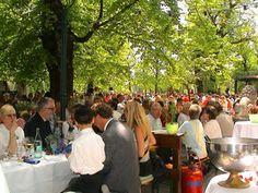 Waldwirtschaft Großhesselohe, Georg-Kalb-Straße 3, 82049 Großhesselohe, Tel: 089-74994030, Öffnungszeiten: Täglich ab 10.30 Uhr  http://www.waldwirtschaft.de/  Angebot: Hier im äußersten Süden Münchens im Stadtteil Großhesselohe (U-Bahn 7 Haltestelle Großhesselohe) liegt das Kleinod der Biergärten. Hier finden regelmäßig Live-Jazz-Konzerte statt. Eigenes Vesper darf mitgebracht werden. Es gibt aber auch einen Grilplatz, den jeder nutzen darf.
