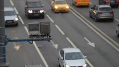Как пишет Autonews.ru со ссылкой на ГИБДД РФ, российские автомобилисты нашли лазейку в законодательстве, которая позволяет не платить штрафы за нарушение ПДД. Такие автолюбители ездят на машинах, официальные собственники которых уже умерли. Как не платить штрафы Как сообщает�