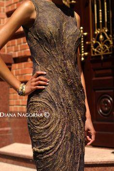 It looks like bark - So cool! Felted dress Nuno-felt dress Elegant dress by DianaNagorna Dresses Elegant, Beautiful Dresses, Gorgeous Dress, Moda 3d, Vetements Clothing, Woolen Dresses, Techniques Couture, Fibre Textile, Nuno Felting