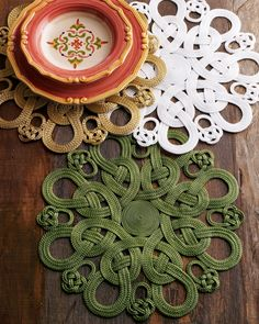Passementerie Placemats at Neiman Marcus. Jute Crafts, Diy Home Crafts, Rope Rug, Coaster Design, Passementerie, Table Toppers, Table Linens, Projects To Try, Crochet Patterns