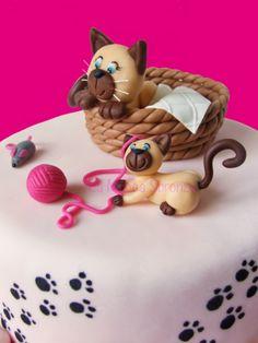 http://lamuccasbronza.blogspot.com  Mauzza Cake