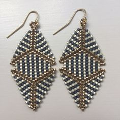 Hey, I found this really awesome Etsy listing at https://www.etsy.com/listing/212374294/beaded-katherine-earring-in-charcoal