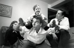 Montgomery Clift visiting with the young family of actor Kevin McCarthy in New York, photo by Stanley Kubrick for a LOOK magazine article on Clift who was then a rising young star Candice Bergen, Montgomery Clift, Vivien Leigh, Classic Hollywood, Old Hollywood, Stanley Kubrick Quotes, Stanley Kubrick Photography, Interview, Look Magazine