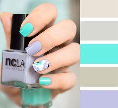 Combinaciones de uñas en colores verdes y lilas