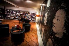 Há novo Desassossego em Lisboa. É a sala de estar da Chiado Editora, um bar-livraria aberto a todos na rua de São Bento