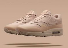 """Nike is rolling out many of their classic runners this year, and we can expect some special colorways to hit shelves over the next few months. Next up is the Nike Air Max 1 """"Patch"""" which will be included in the Nike Air Max 1 """"Monotone Pack"""" that will be releasing next week. The"""