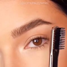 Tipp / Beauty Yes, we love these eyebrows by Weddings - Why The Fuss? Eyebrow Makeup Tips, Skin Makeup, Beauty Makeup, Makeup Eyebrows, Linda Hallberg, Make Up Tutorials, Makeup Tutorial For Beginners, Eyeliner, Make Up Designs