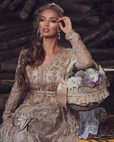 ostalgia Collection by Velvety✨ N E W Moroccan Bride, Moroccan Wedding, Moroccan Caftan, Modesty Fashion, Huda Beauty, Marie, Like4like, Wedding Inspiration, Wedding Dresses