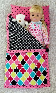 American Girl doll sleeping bag with a link for tutorial. This is a fun sewing project for a cute AG doll accessory. 18 American Girl doll sleeping bag with a link for tutorial. This is a fun sewing project for a cute AG doll accessory. American Girl Outfits, American Girl Crafts, American Doll Clothes, American Girls, Sewing Doll Clothes, Baby Doll Clothes, Sewing Dolls, Doll Clothes Patterns, Bag Patterns