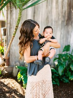 Chewable Charm Silicone Teething Necklace | The Jennifer Teething Necklace for mom