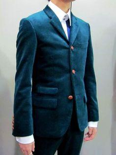 1980年前後のUKモッズスタイルを再現した3ボタンのモデルです。 Mods Style, Mod Fashion, Suit Jacket, Blazer, Suits, Jackets, Clothes, Down Jackets, Outfit