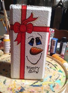 Painted Bricks Crafts, Brick Crafts, Painted Pavers, Cement Crafts, Stone Crafts, Christmas Wood, Christmas Signs, Christmas Projects, Holiday Crafts