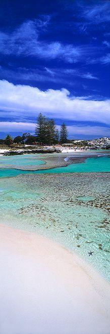 The Basin, a beautiful beach on Rottnest Island - Western Australia