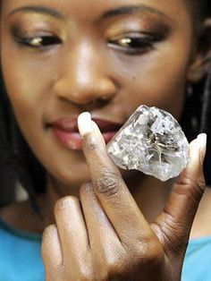 Unearthed in 2006, the 603 carat Lesotho Promise yielded 26 diamonds including the following four D FL stones: 76.41 carat pear, 43.12 carat heart, 27.03 carat round brilliant, and a 20.05 carat emerald cut.